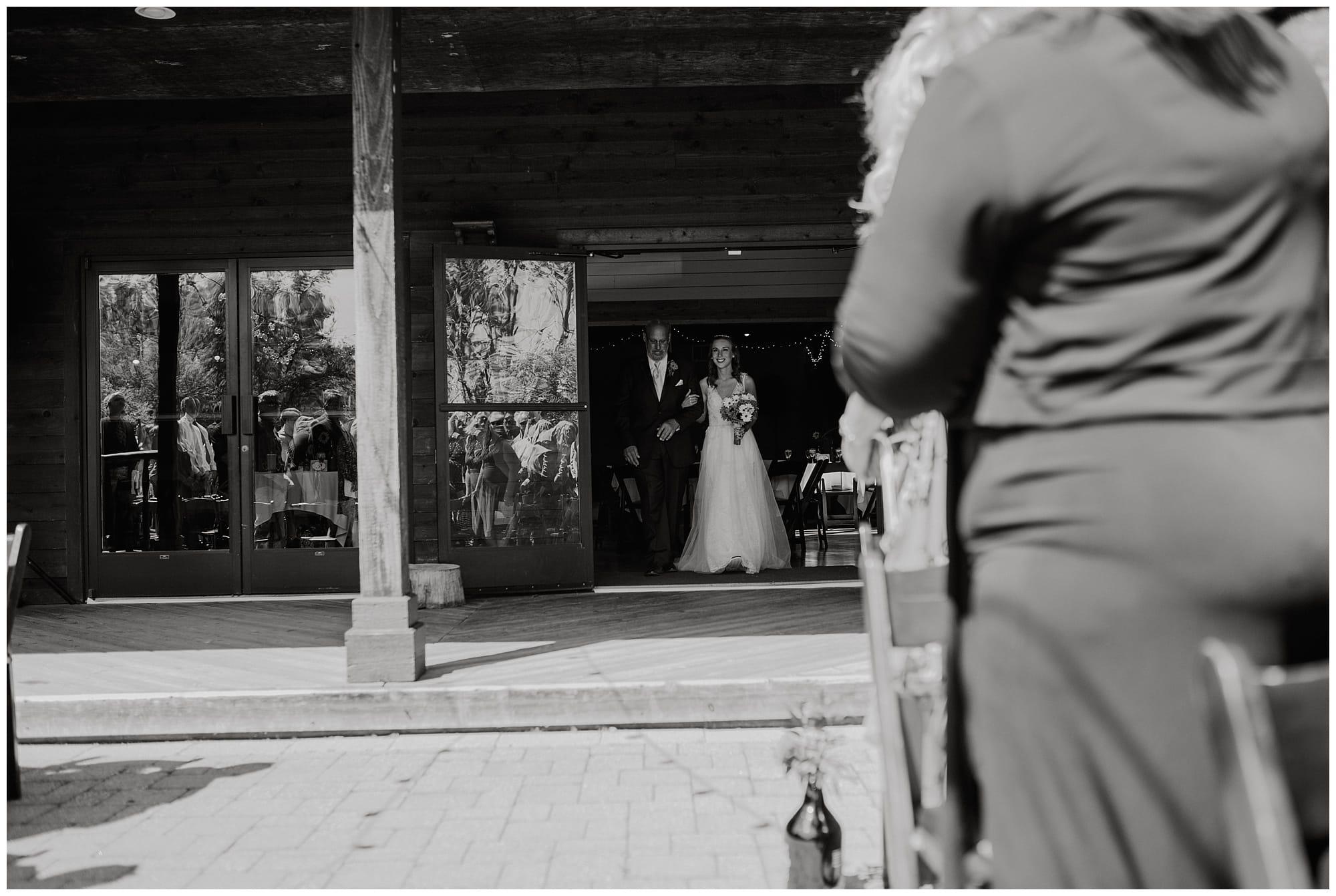 Fenton Winery and Brewery Wedding_0032.jpg
