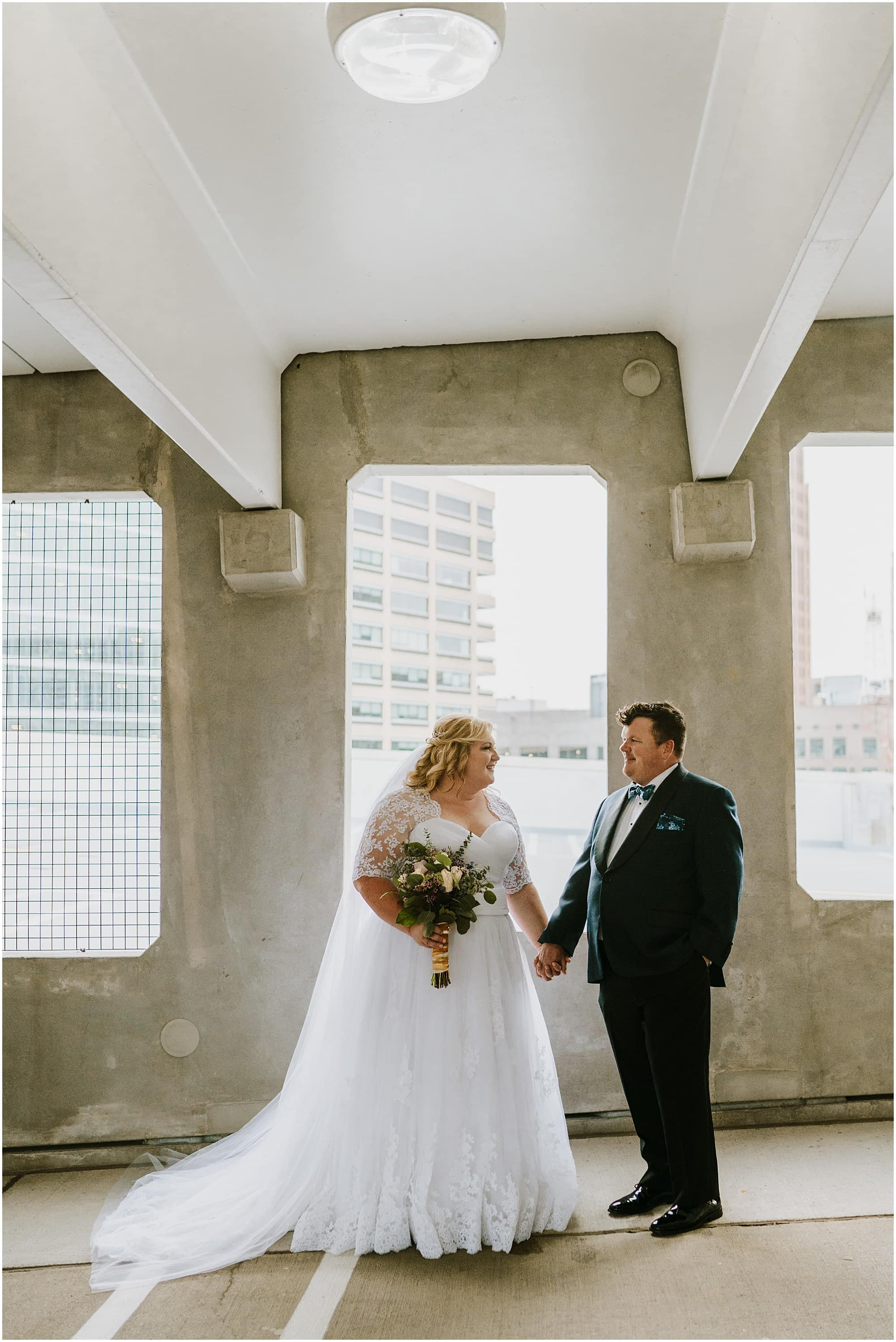 Downtown Detroit Wedding_0006.jpg