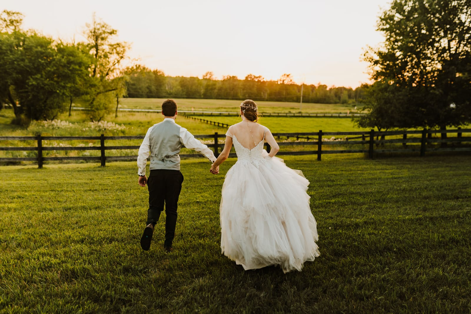red riding hood stables wedding